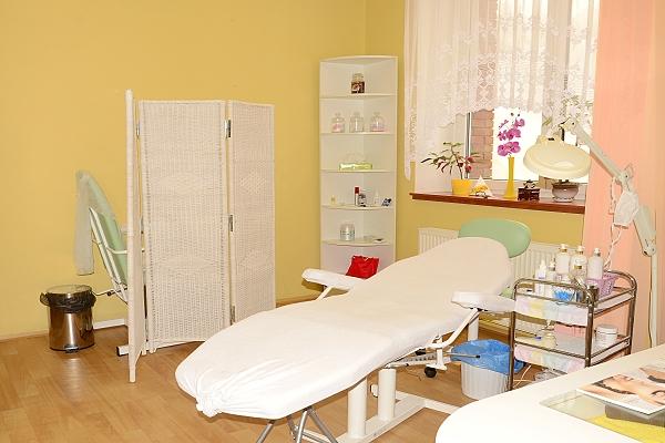 dentist-abroad-czech.co.uk | Cosmetics Salon (Beauty Care)